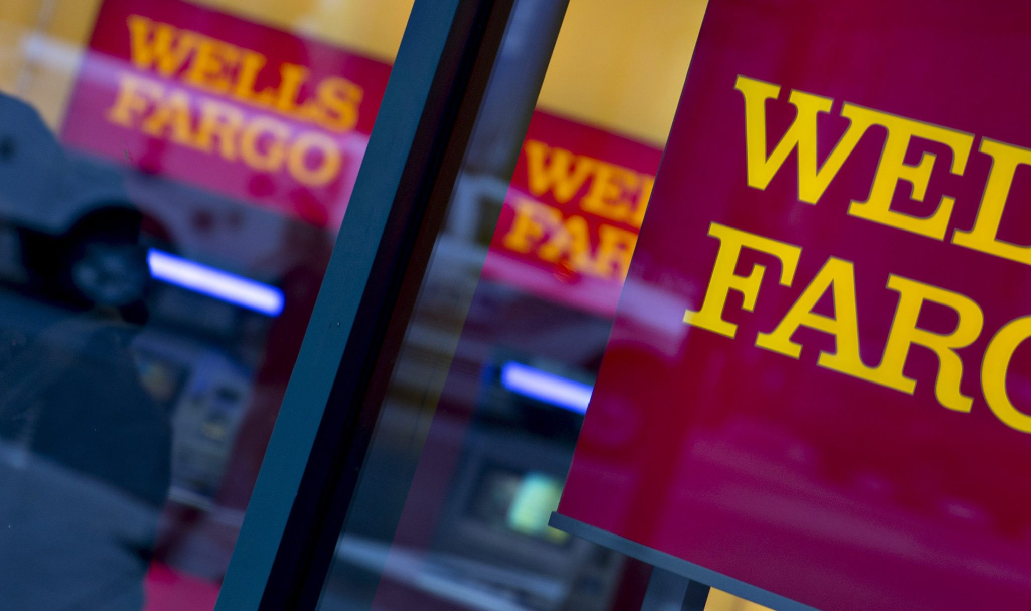 Wells Fargo Wants Claims Over Fake Accounts Decided Out of Court